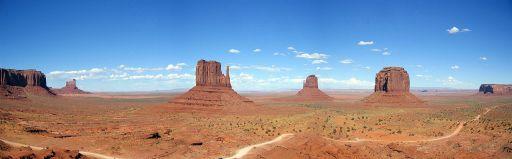 Monument Valley in Arizona and Utah. Photo by Moritz Zimmermann. Wikimedia